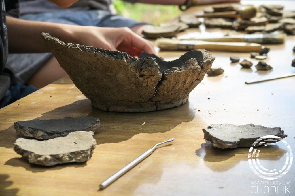 Zniszczony pochówek kultury pomorskiej z Kosiorowa w trakcie rekonstrukcji